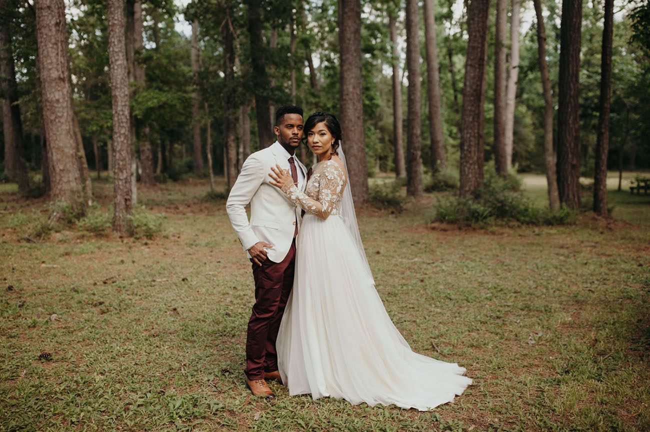 burgundy cream rustic chic texas wedding green wedding