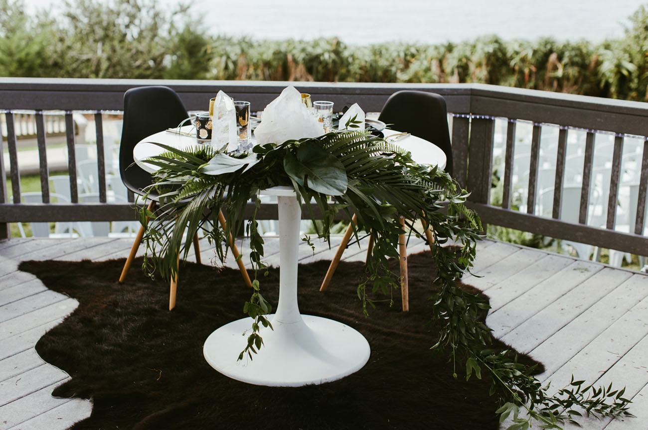 tropical sweetheart table