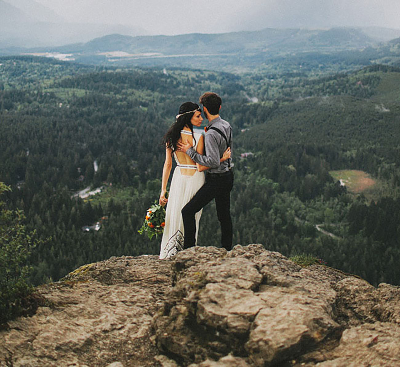 Rattlesnake Ledge North Bend, Washington is still such a stunner for us, hike the hill and exchange your vows - then send us your pics!