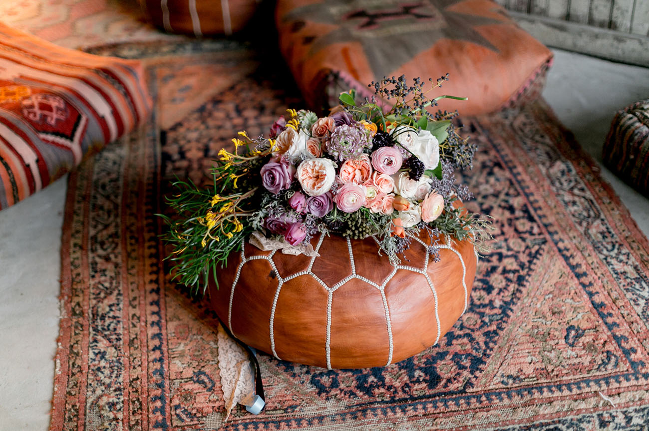 bouquet and pouf