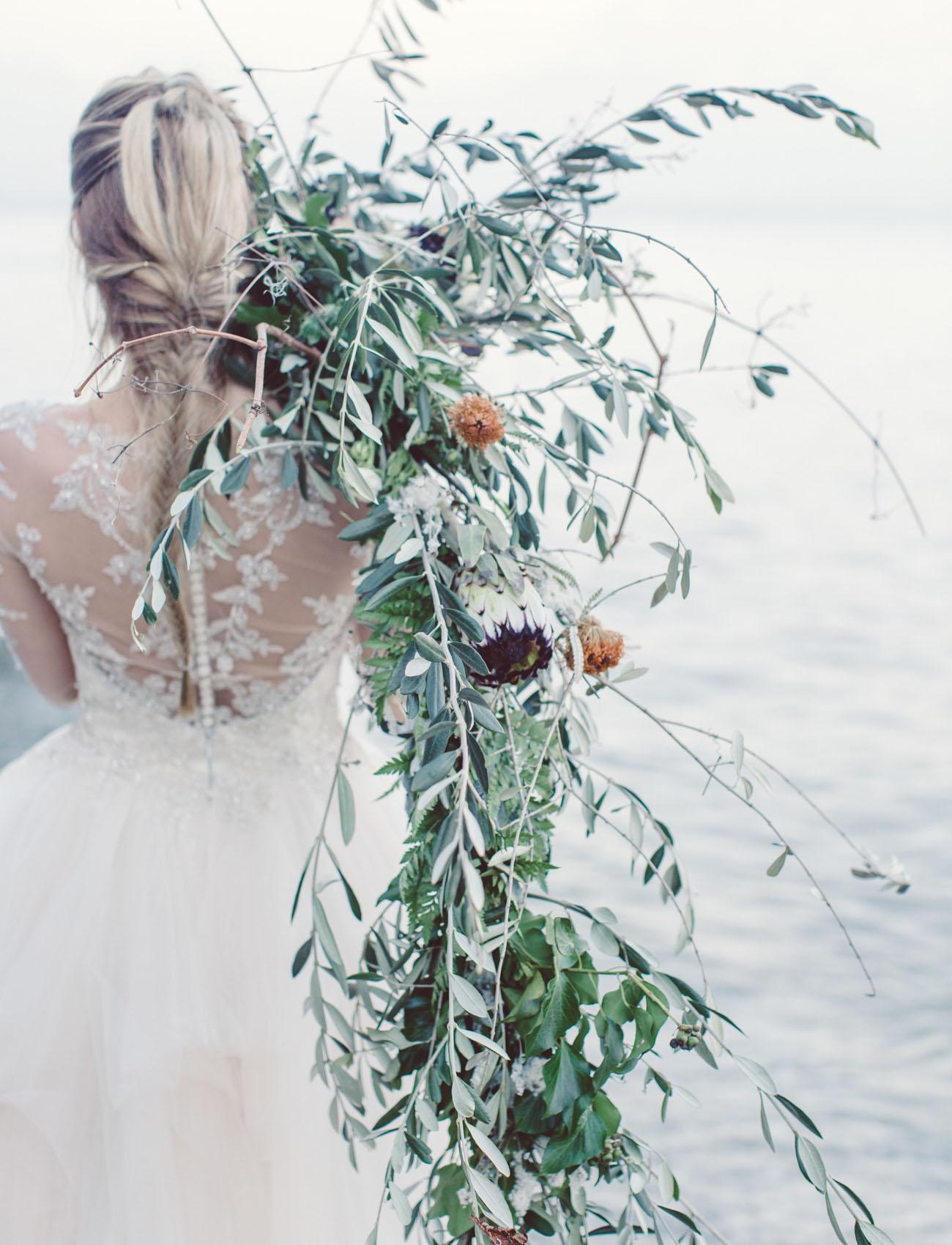 cascading vine bouquet
