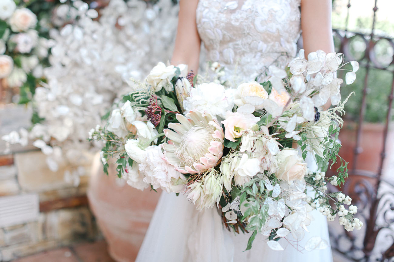 loose white protea bouquet