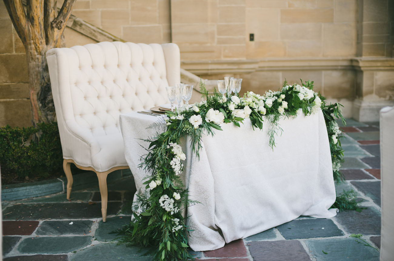 garland table decor