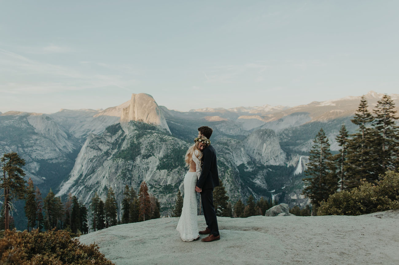 Yosemite National Park in California gives you so many reasons to visit, let us add eloping to that list