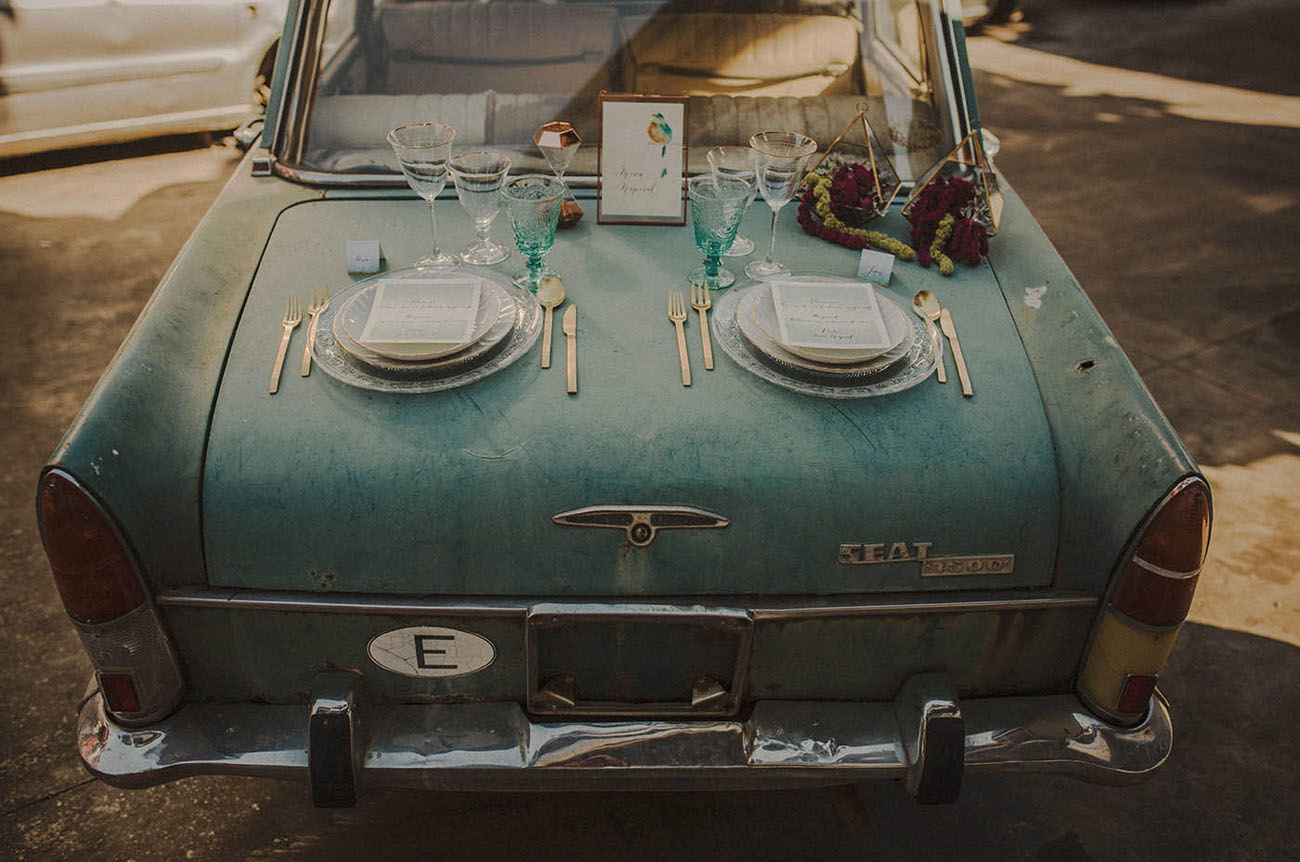 vintage car plate setting
