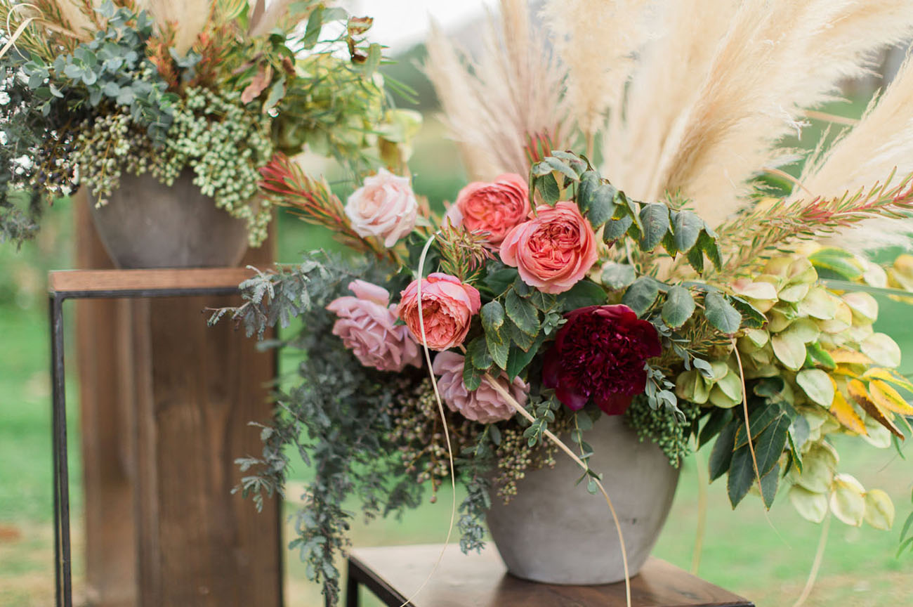 garden rose aisle decor