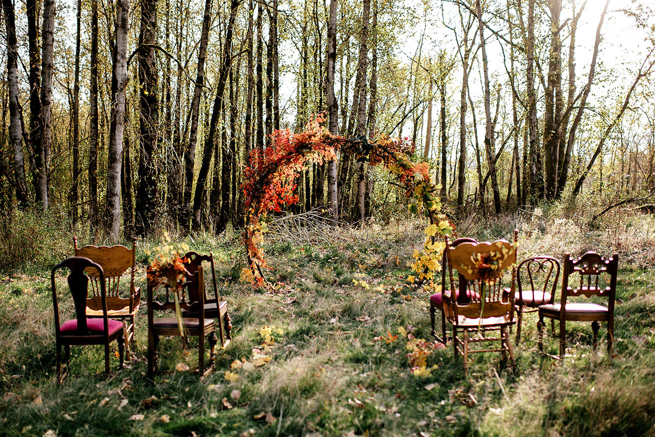 Fall floral circular backdrop