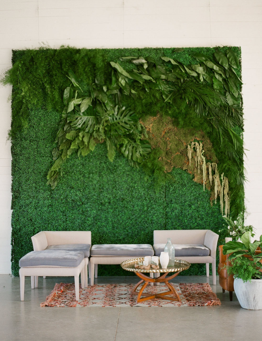 living wall lounge