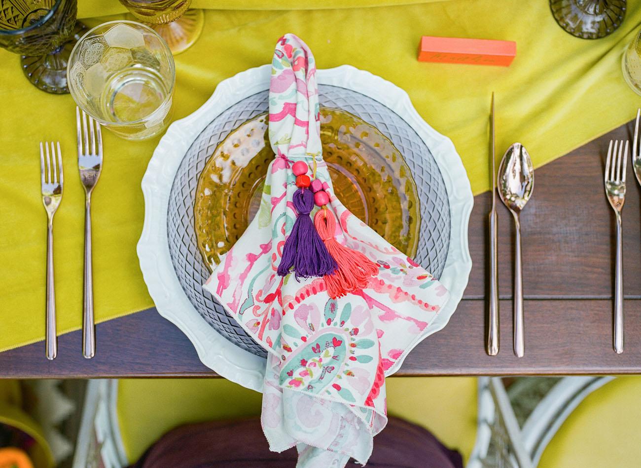 colored napkins
