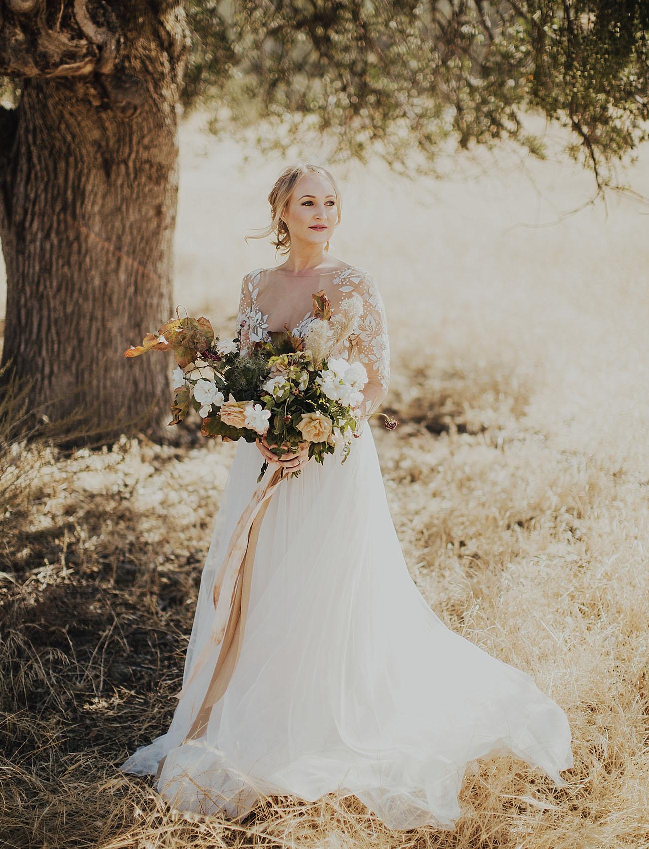 rustic modern bride