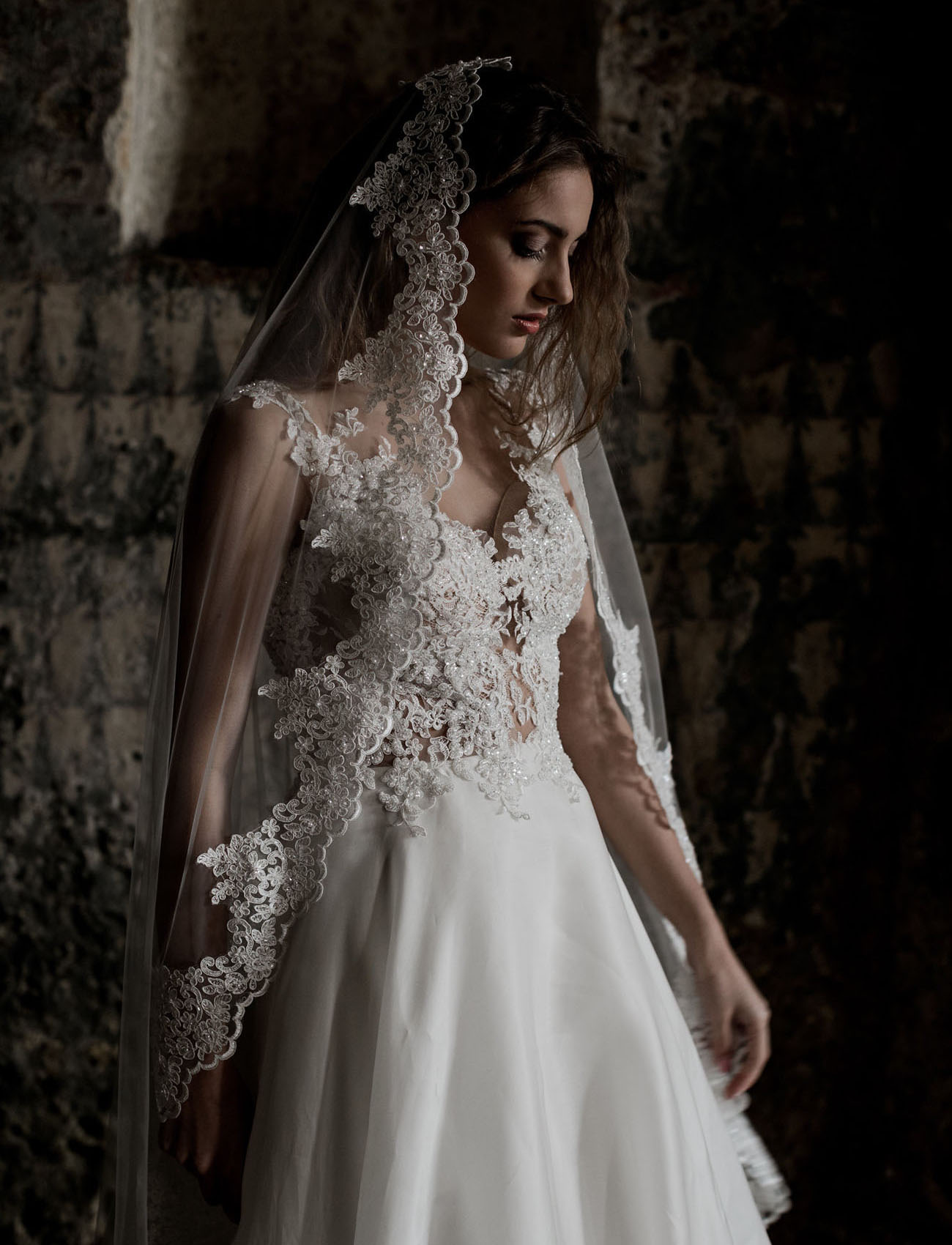lace edged veil