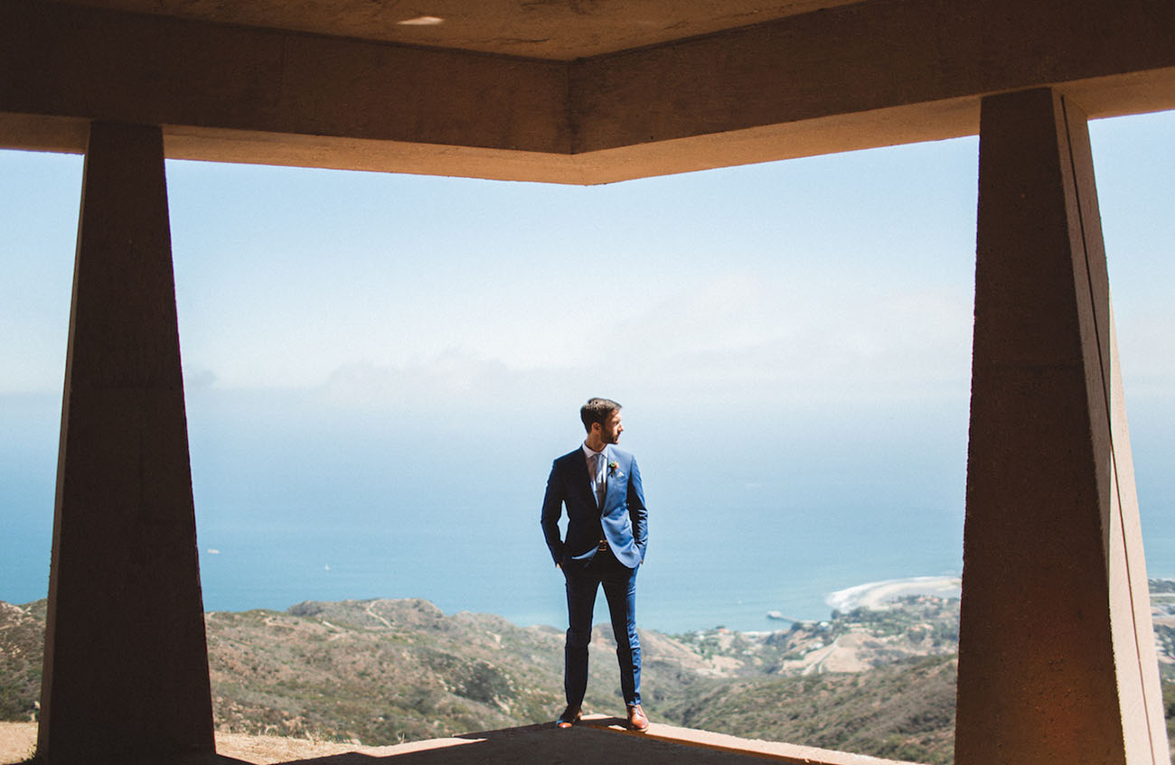 groom with a view