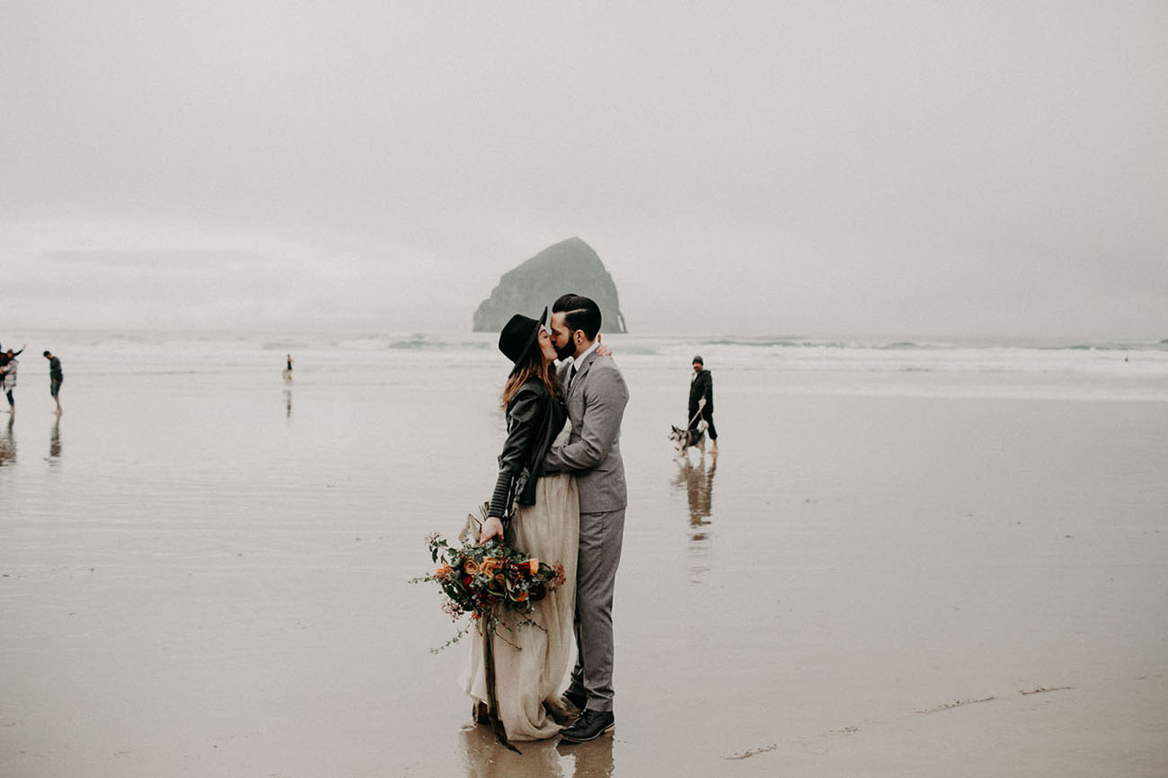 Moody + Modern Elopement on the Oregon Coast