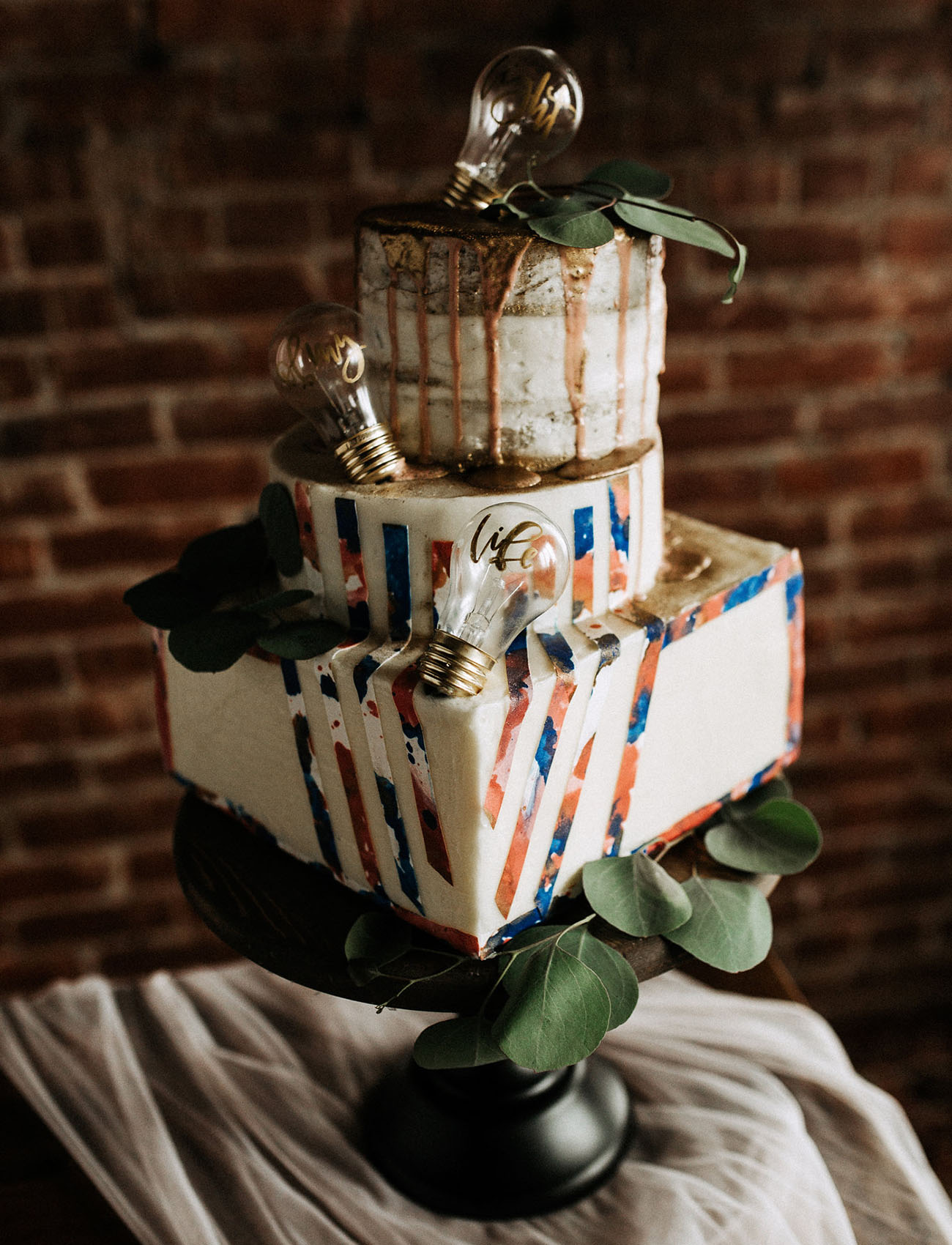 light bulb wedding cake