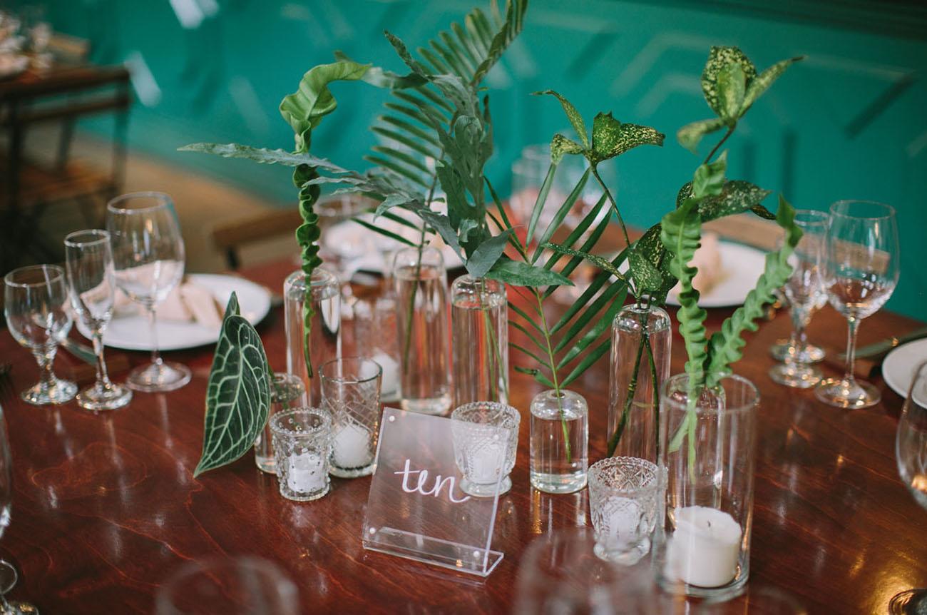 palm table decor