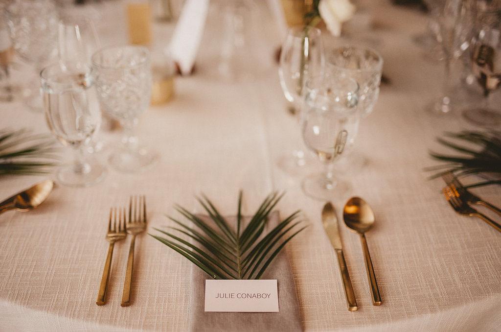palm plate setting