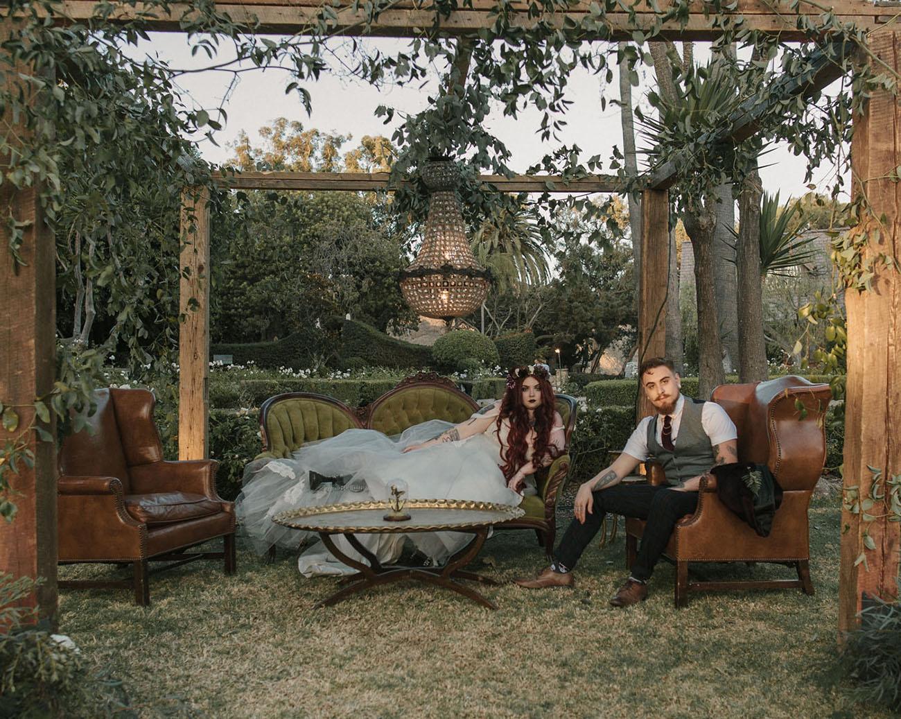 Secret Garden: Ethereal Secret Garden Wedding With Vintage Curiosities