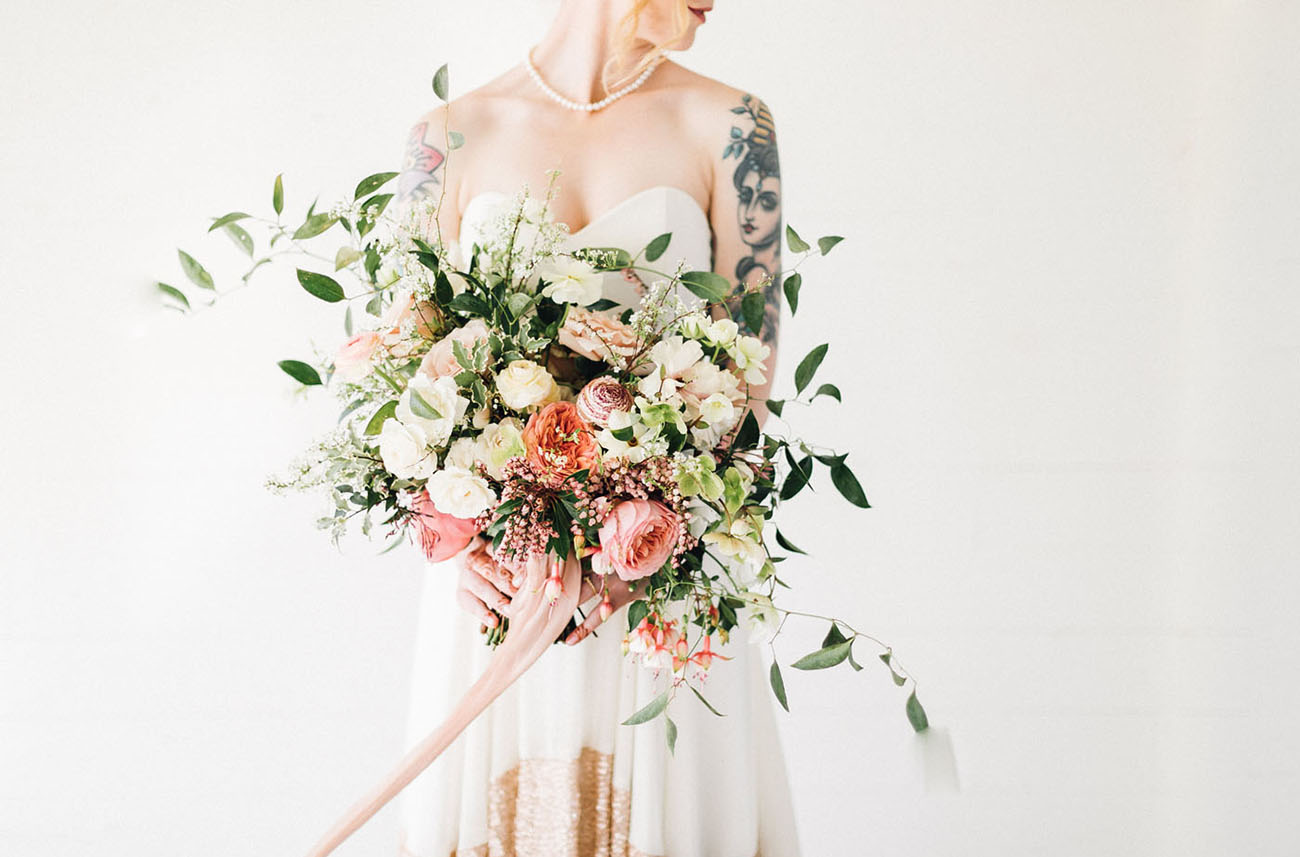 modern pink and white bouquet