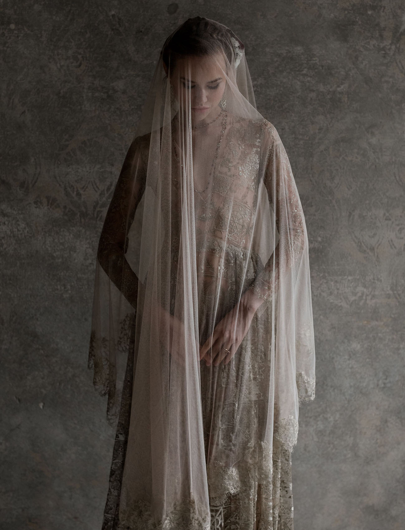 fingertip veil