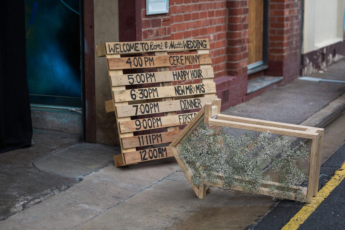 wooden palette signage