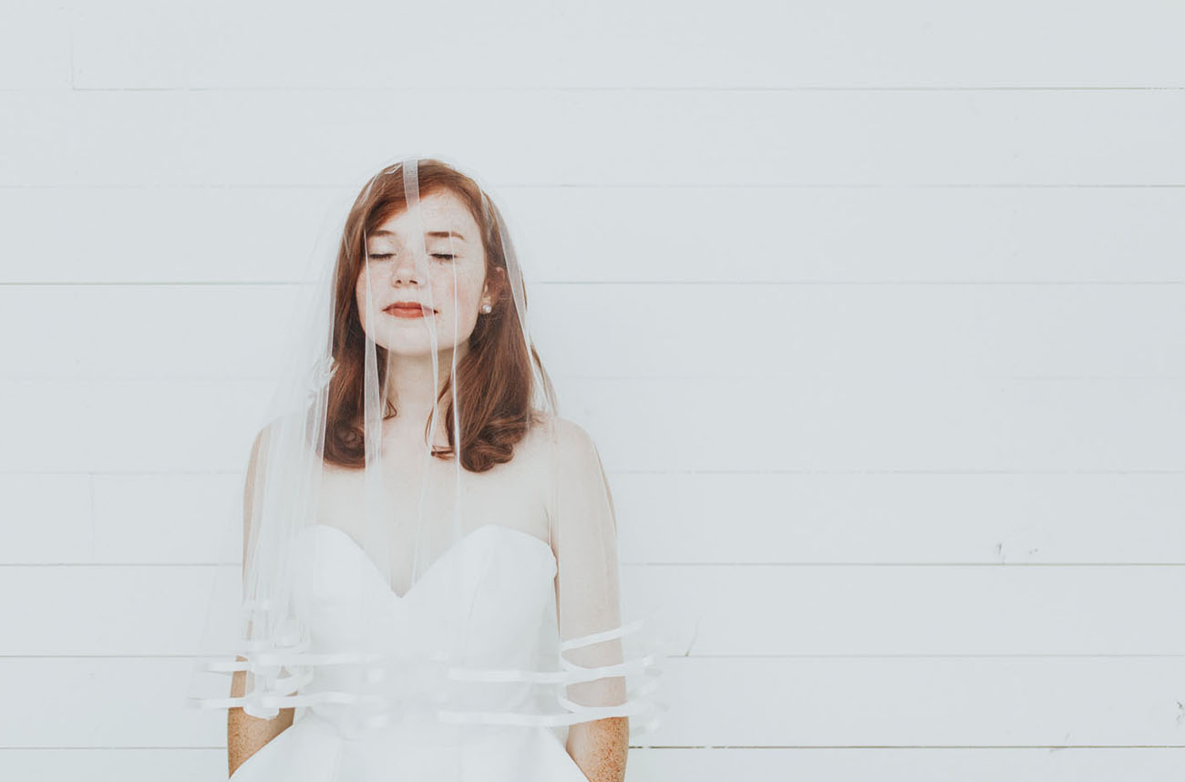white edge veil