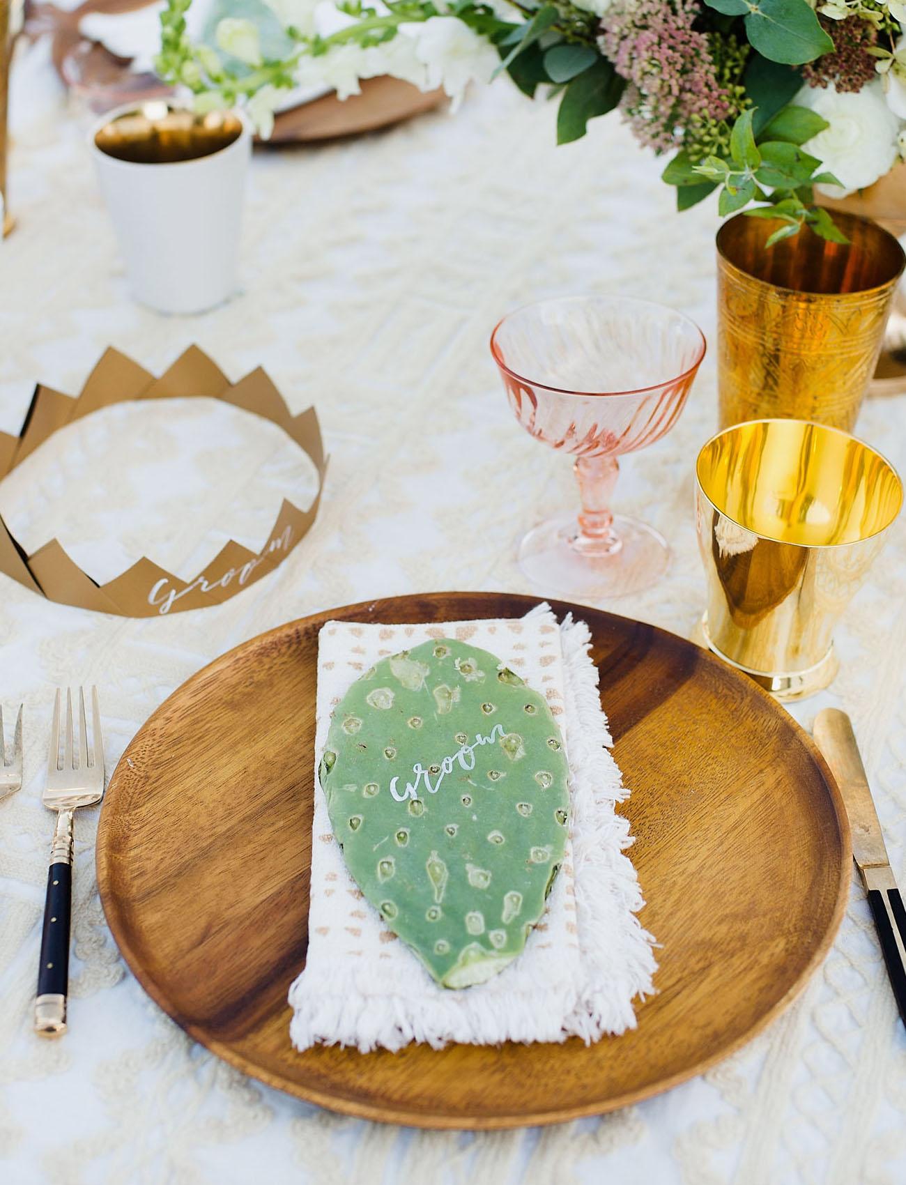 cactus plate setting