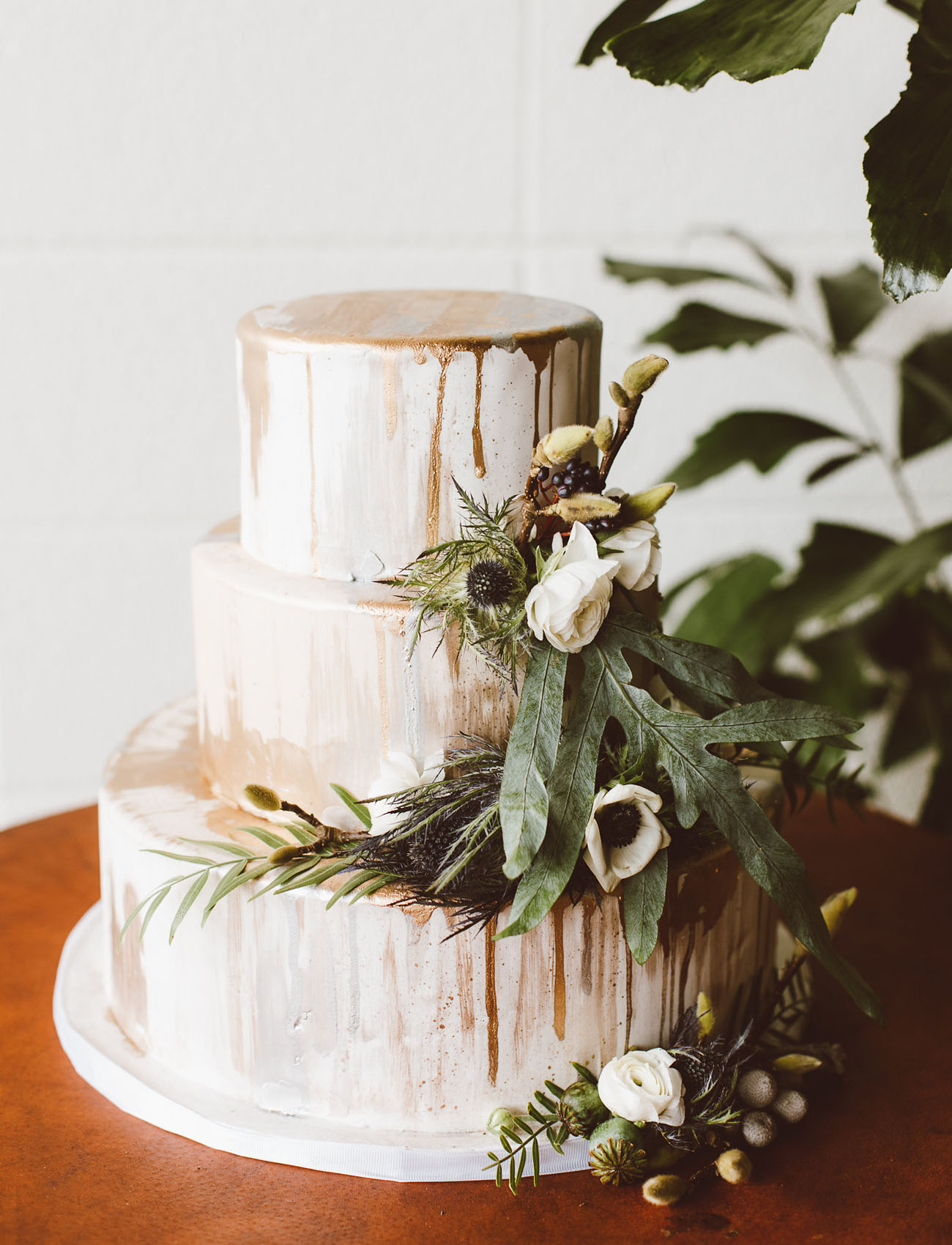 Our Favorite Wedding Cakes from 2017 - Green Wedding Shoes