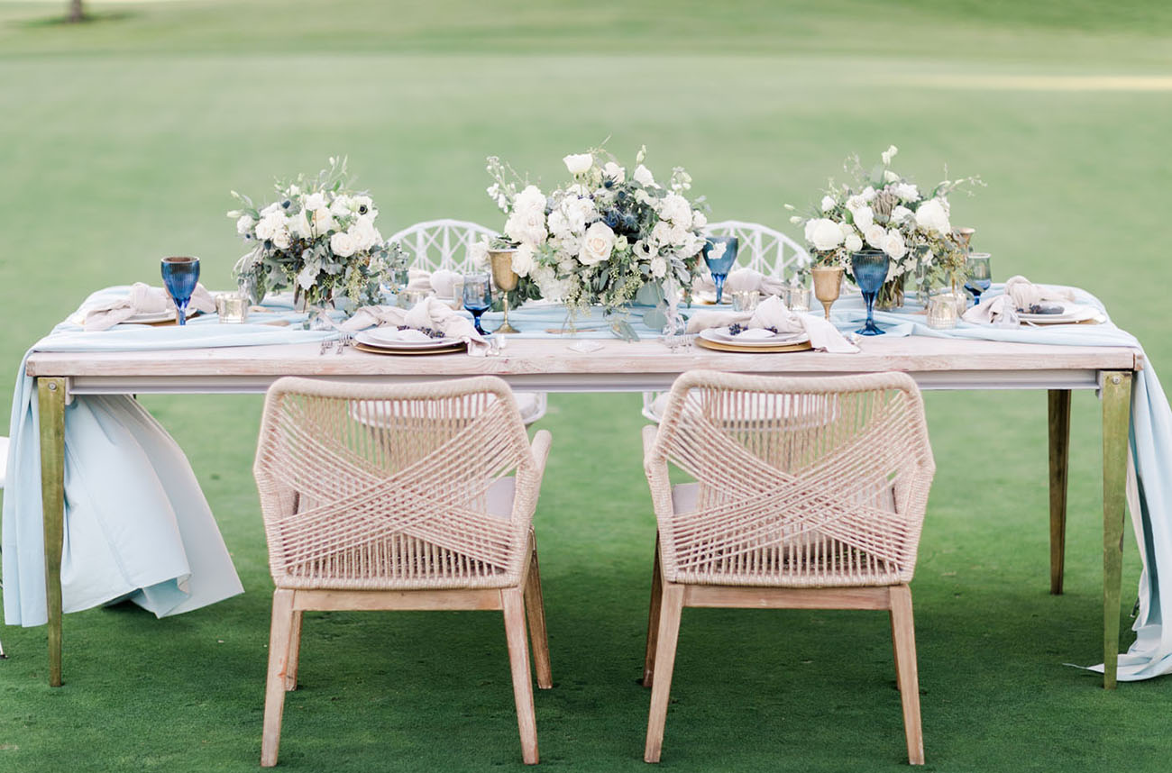 Modern Blue Wedding Inspiration