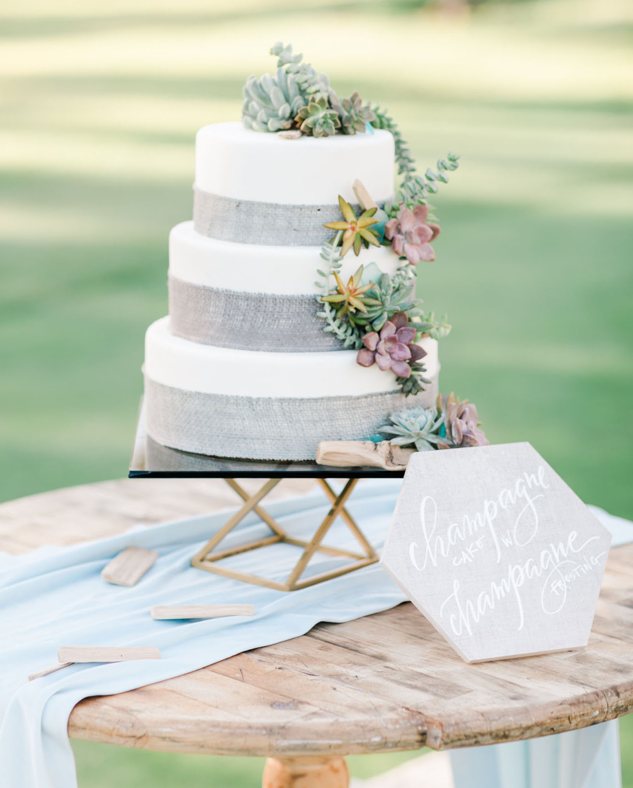 white and gray wedding cake