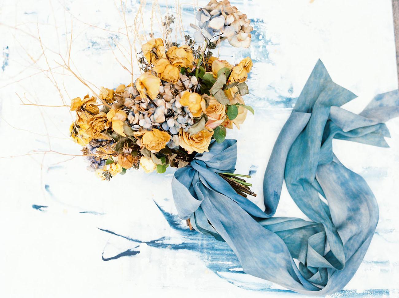 golden rose bouquet