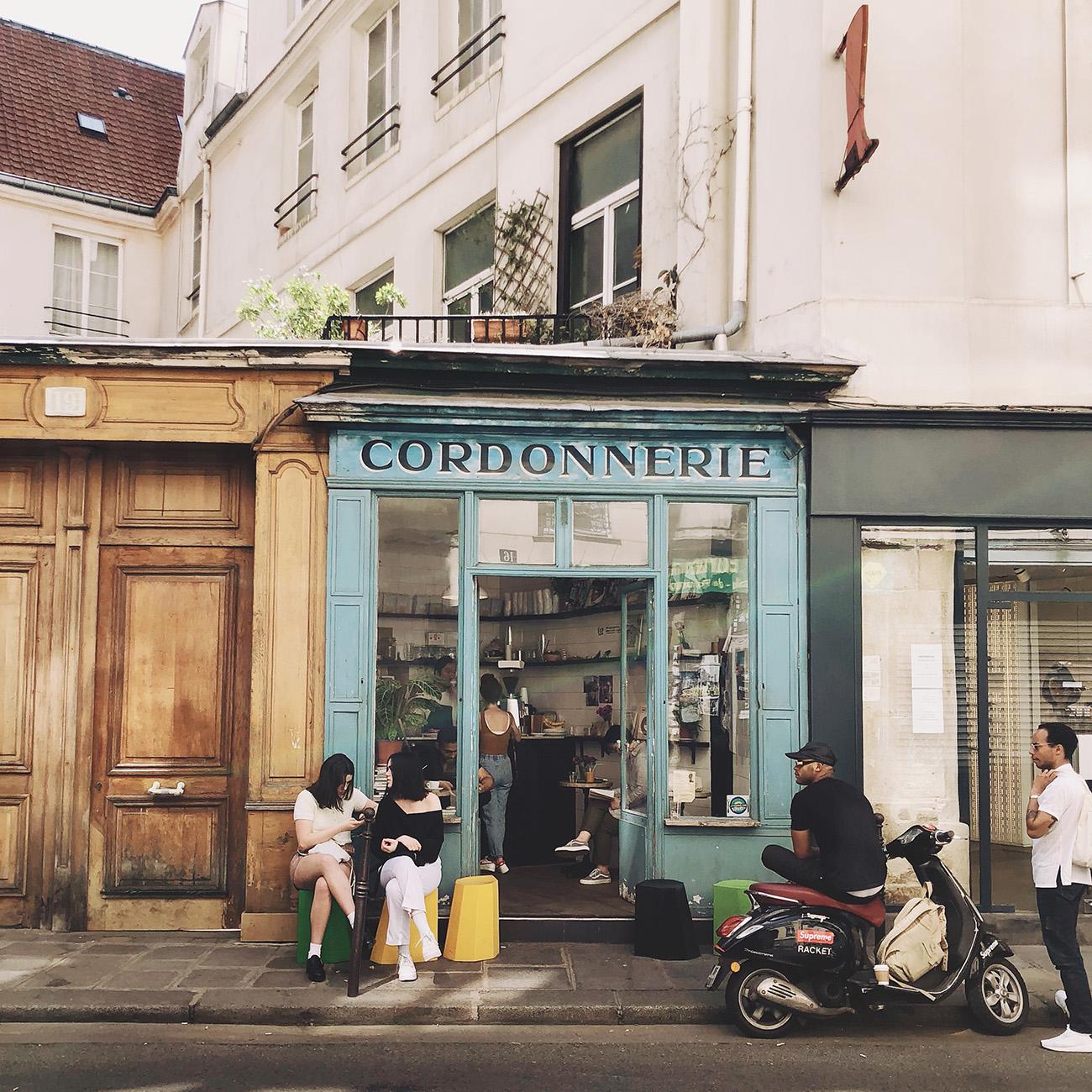 Boot Cafe Coffee Shop Paris