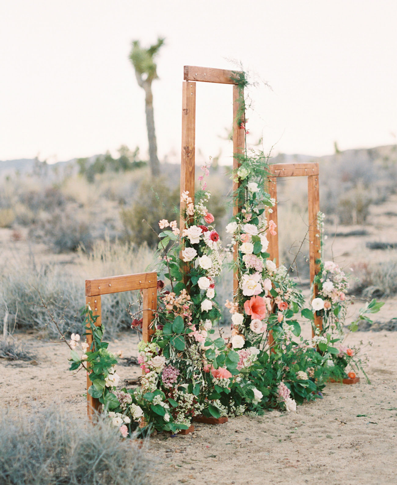 wooden floral structure