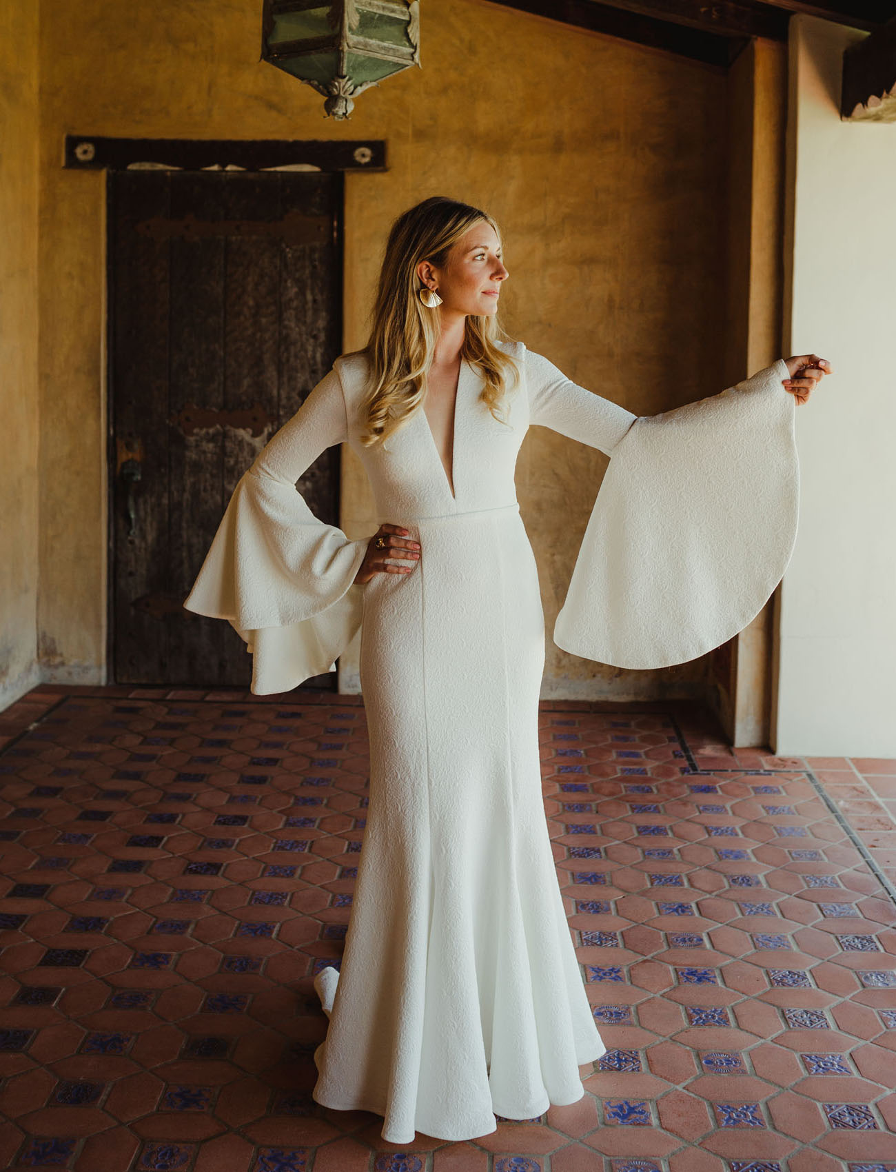 4ae7144823 Chic Wedding at Malibu s Spanish Style Adamson House - Green Wedding ...