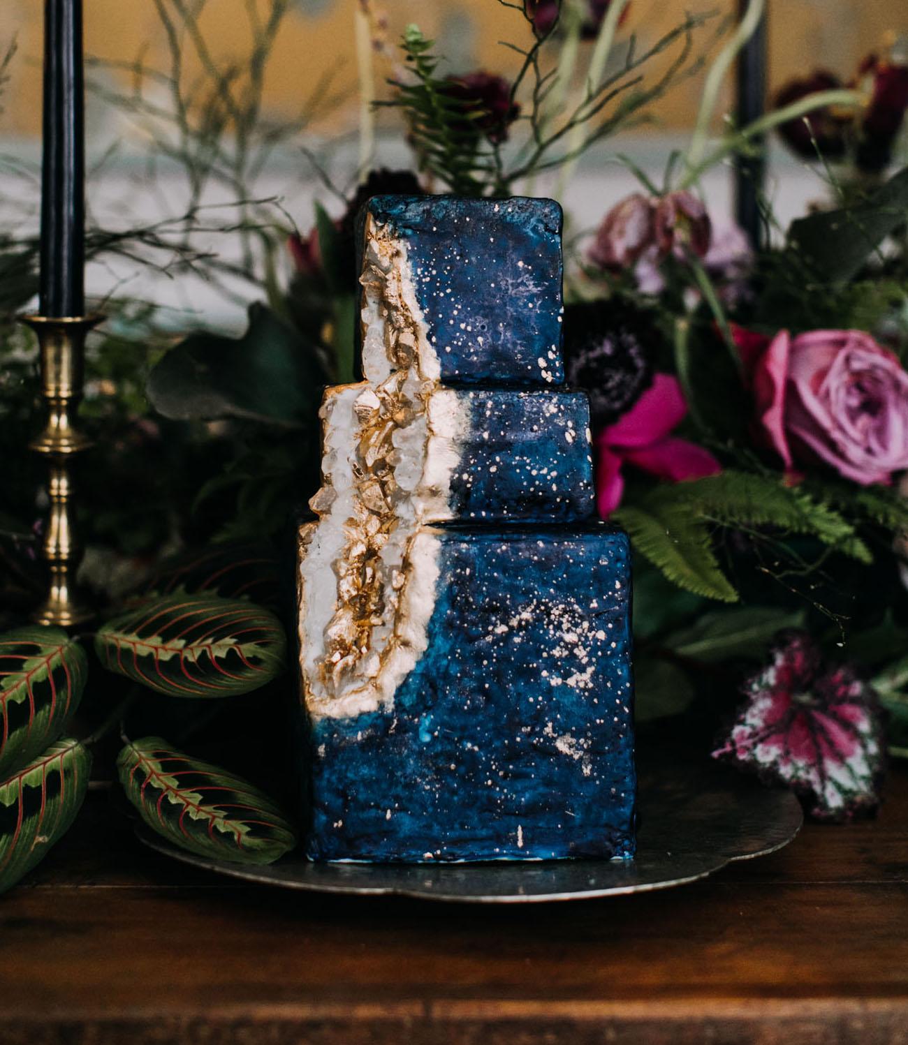 moon geode cake