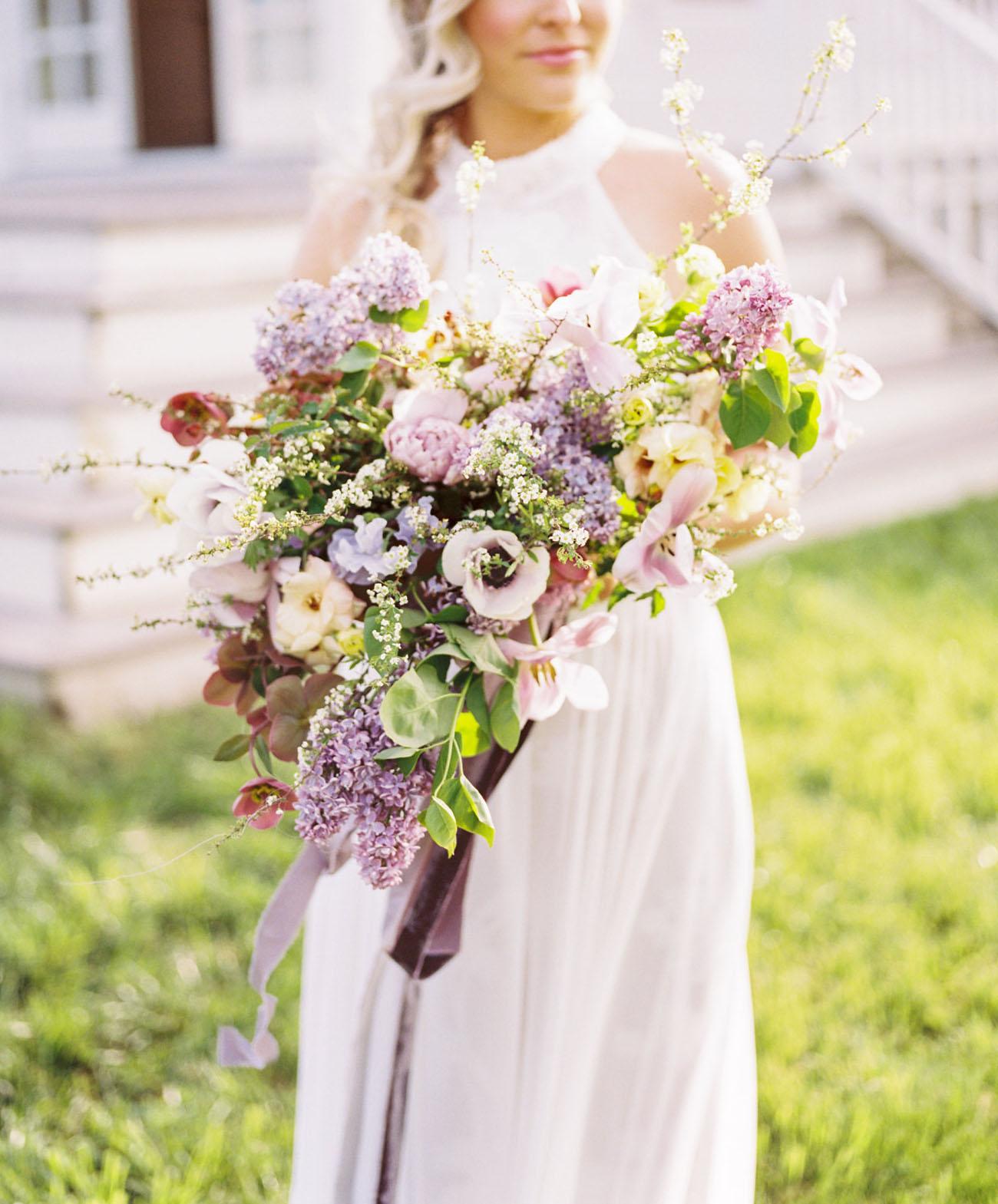 ultraviolet wedding bouquet