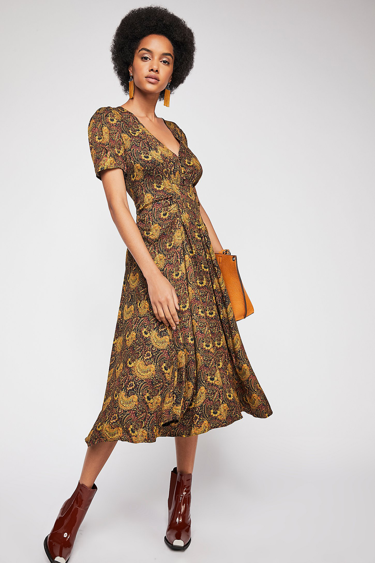 What To Wear 15 Autumnal Dresses For A Fall Wedding