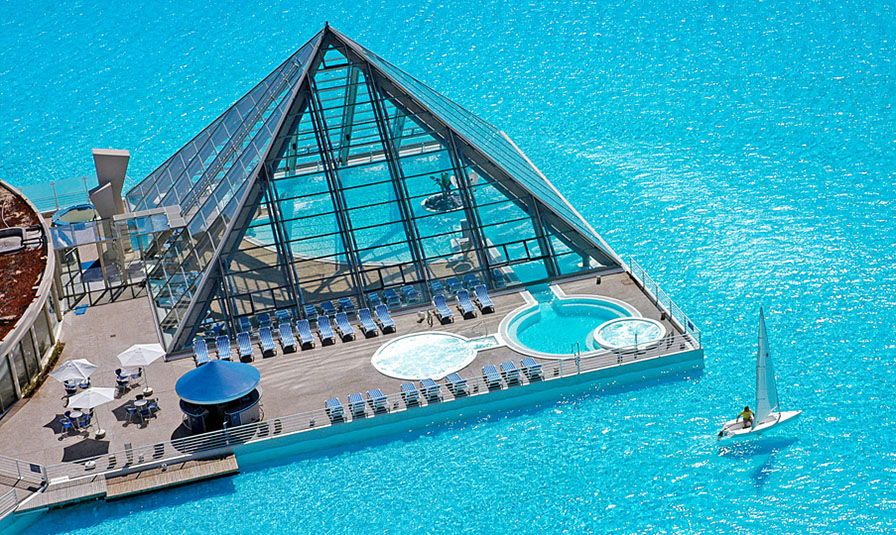 Crystal Lagoon Pool