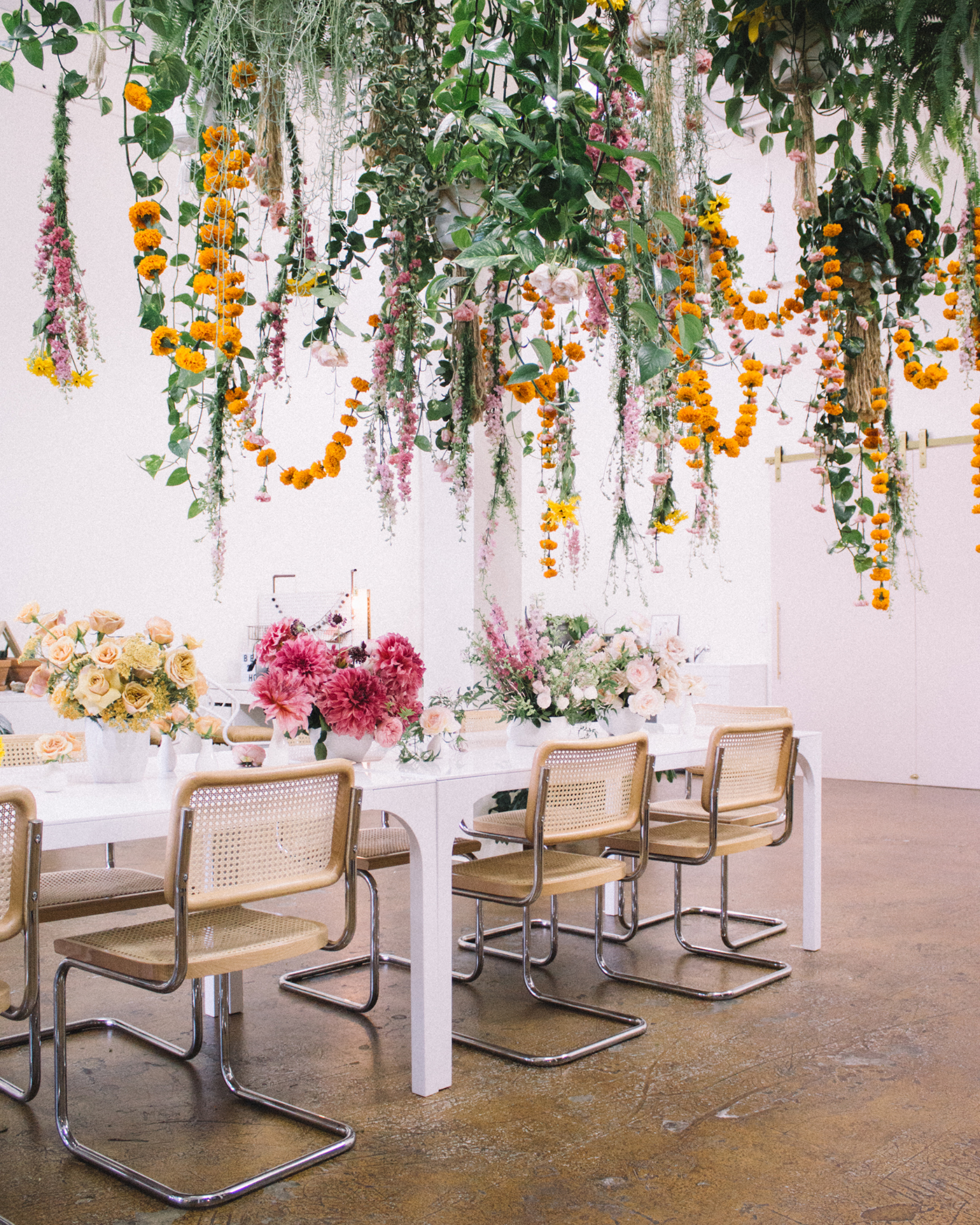 Love Is In The Air Hanging Floral Installation Ideas For The Wedding Green Wedding Shoes