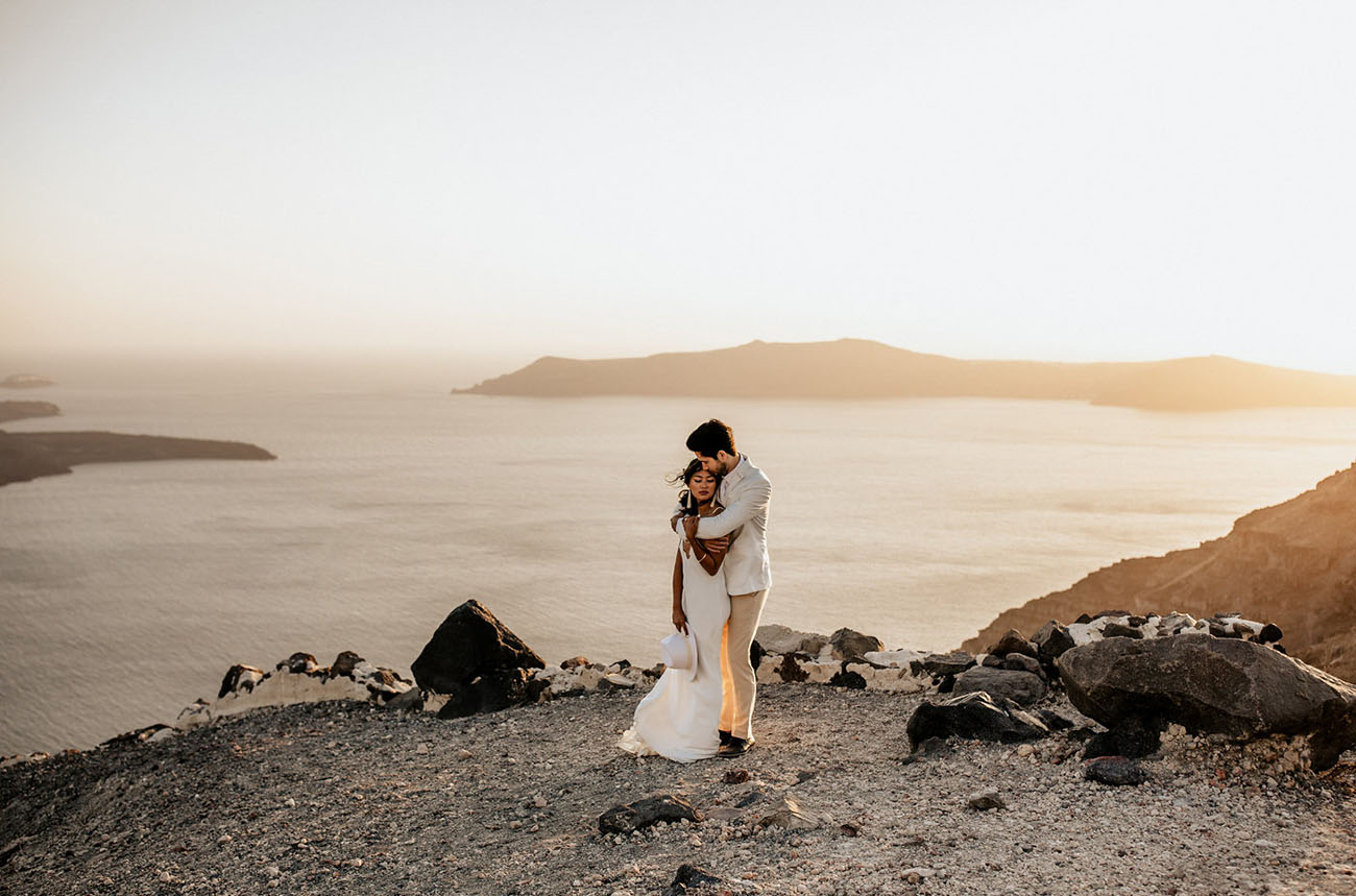 Overlooking the Ocean in Oia: An Edgy Meets Modern Elopement on the Island of Santorini