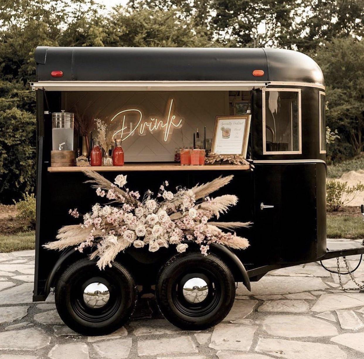 mobile cocktail bar sip & steer