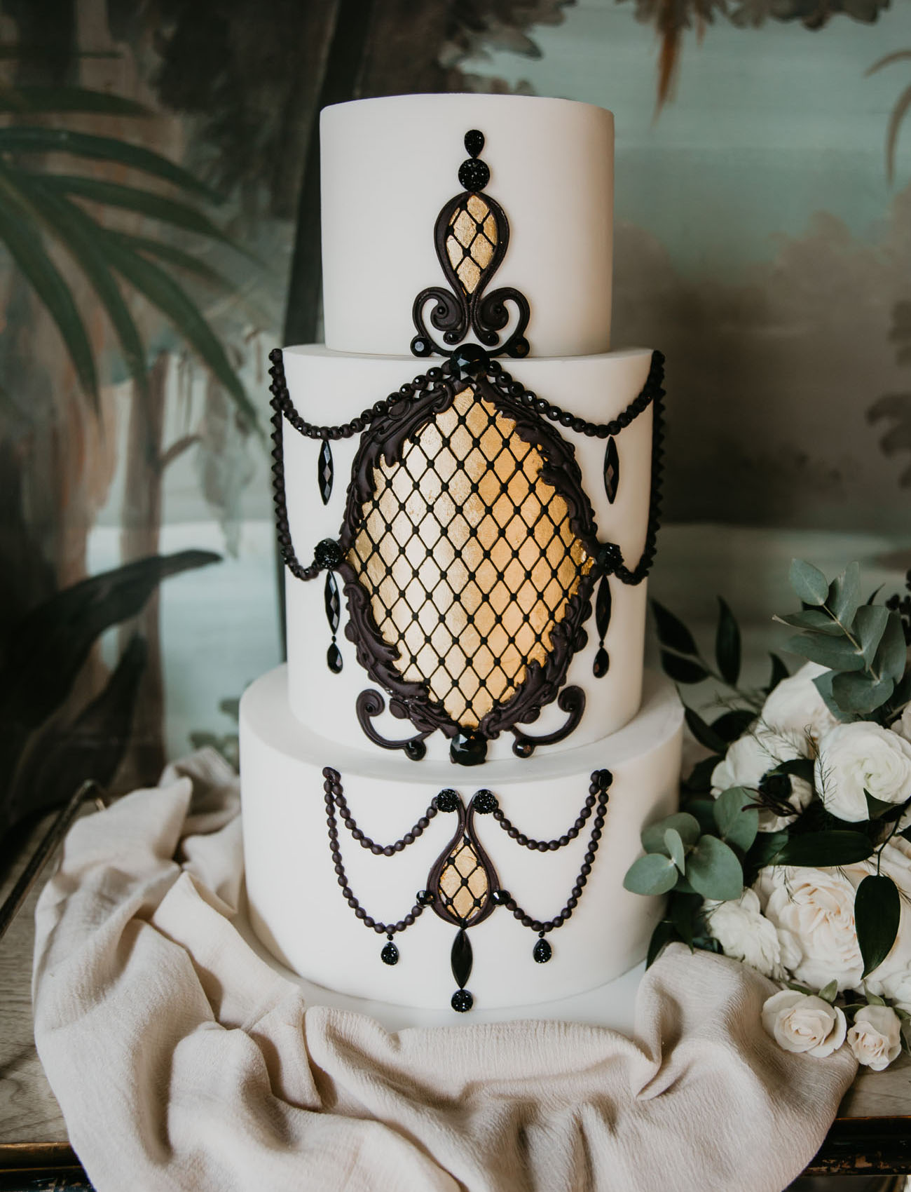 black victorian wedding cake