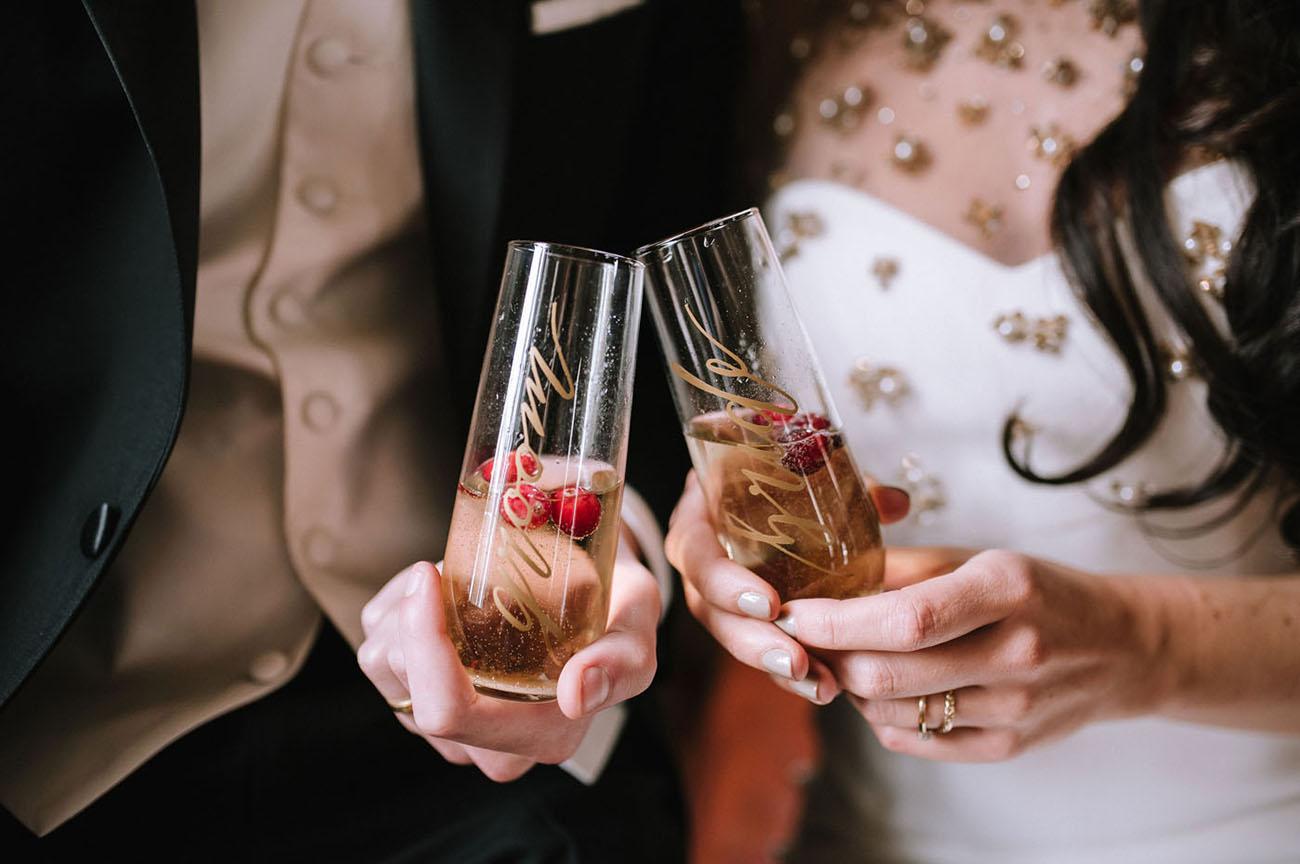 calligraphy wine glasses