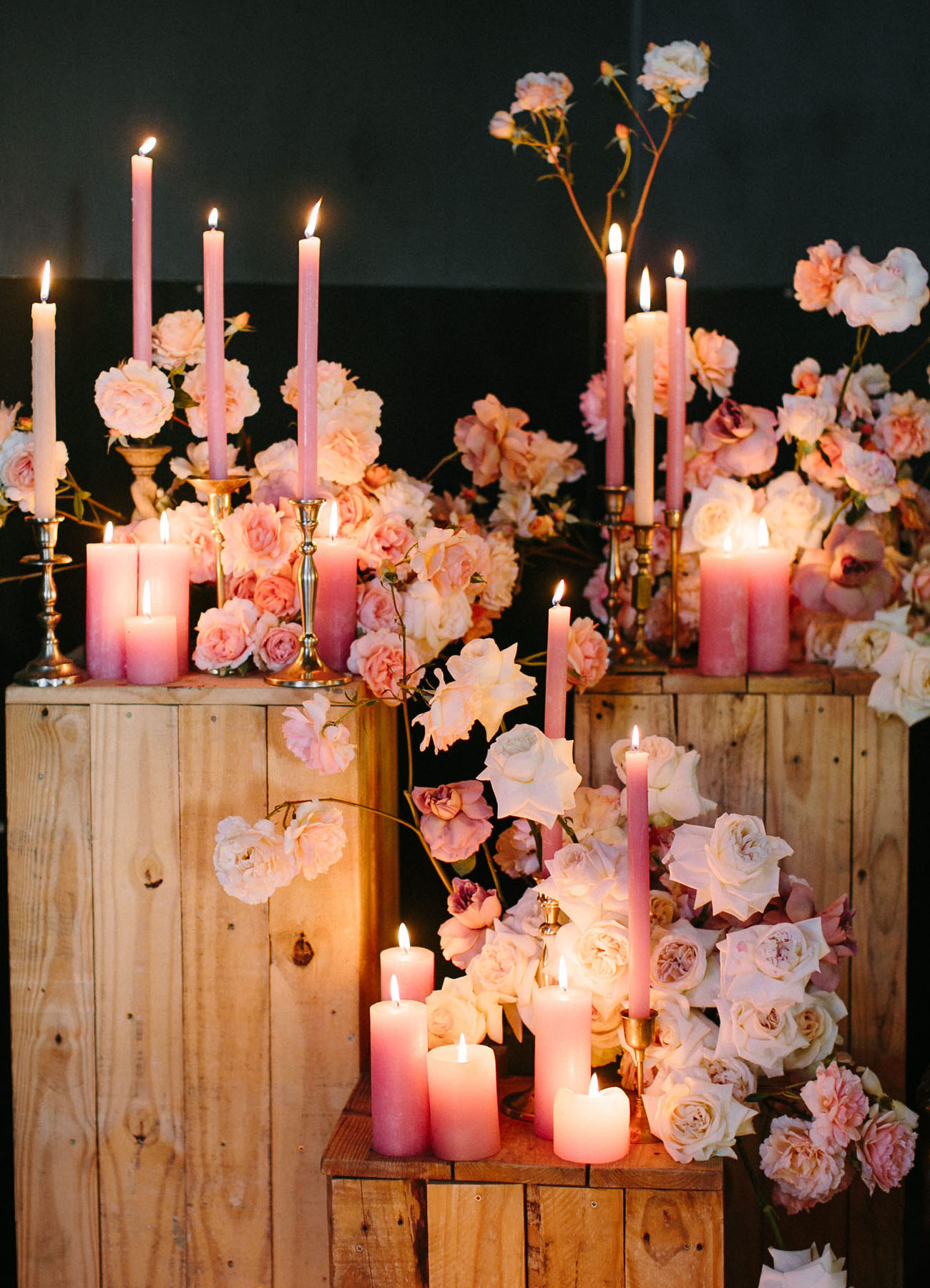 candles and flower ceremony decor