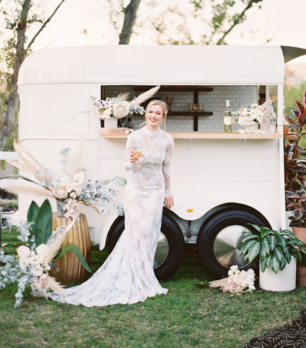 This Nomadic Bridal Inspiration Has All The Year S Top Trends