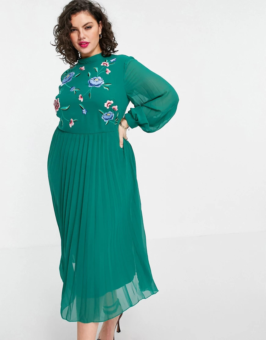 green dress for a spring wedding