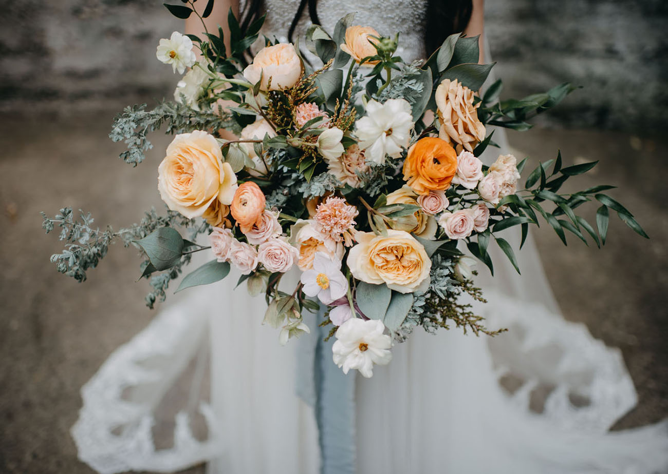 garden rose peach bouquet