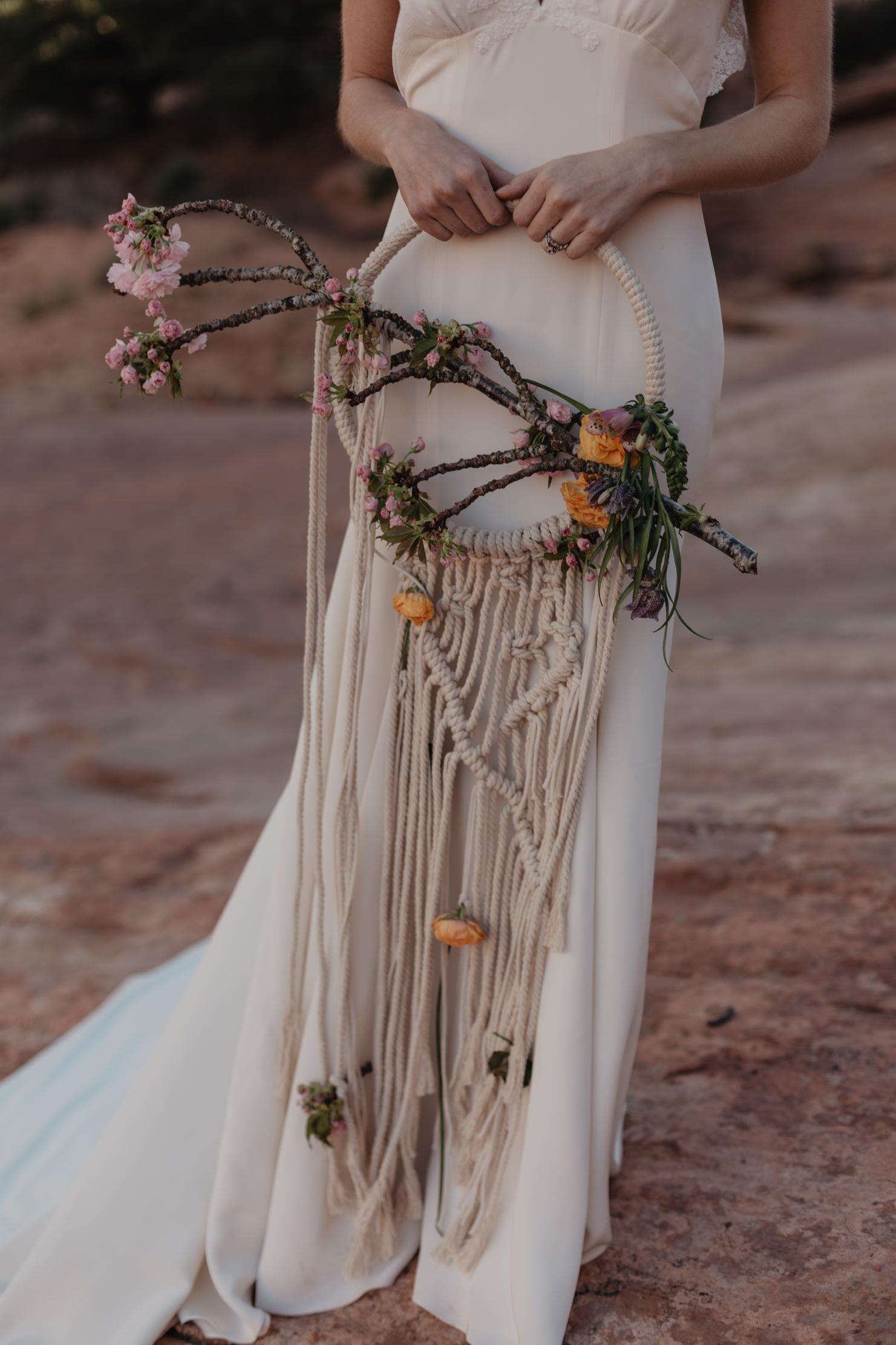 macramé hoop bouquet