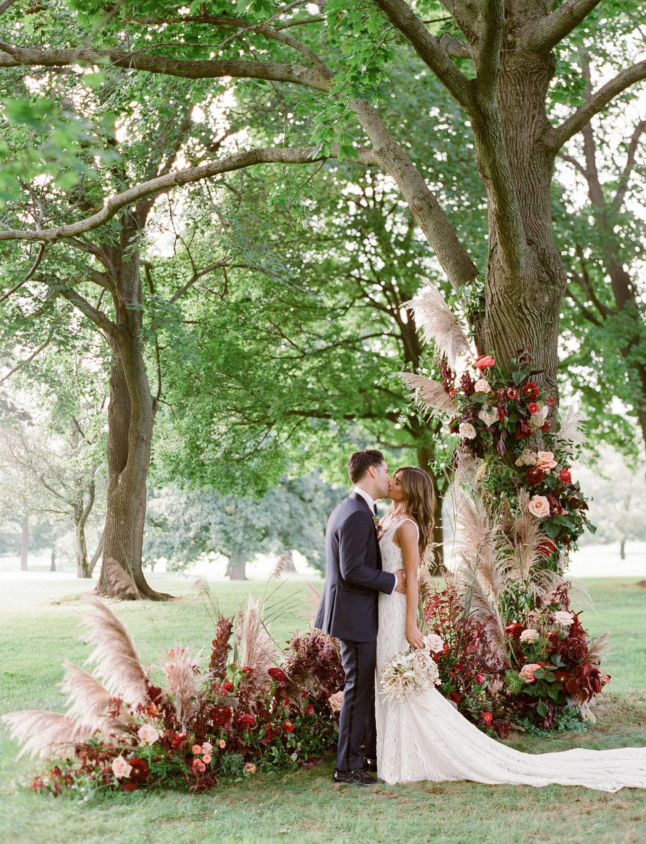 10 Tips to Throw Your Dream Backyard Wedding | Green ...