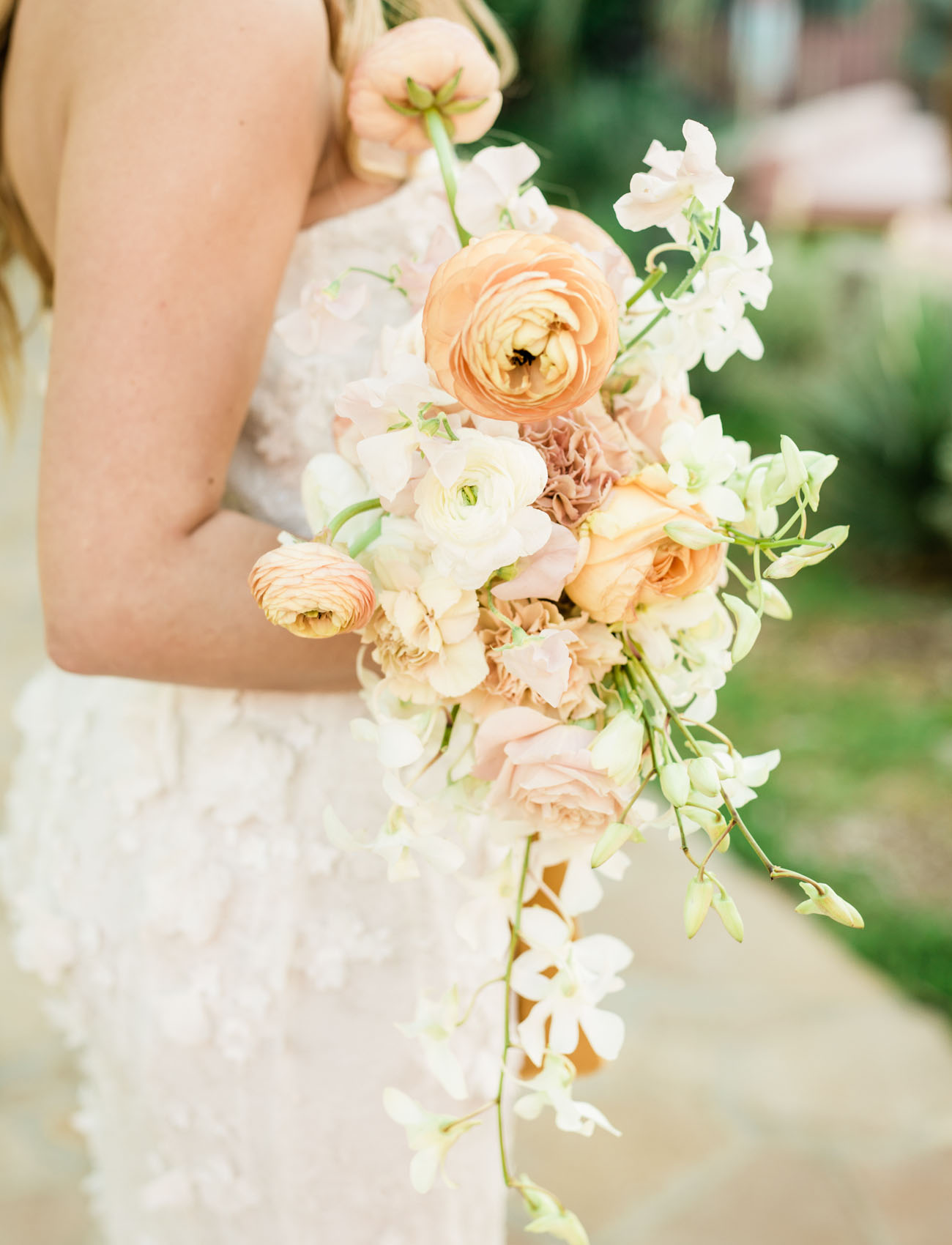 golden ranunculus bouquet