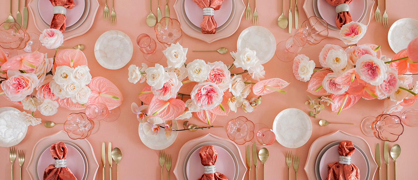 coral tablescape